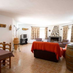 casa-rural-pernales-salon