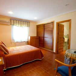 suite-hostal-guadiana-2